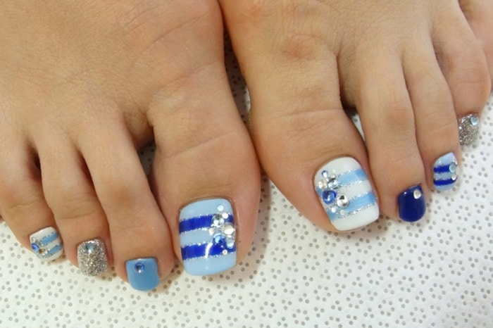 Summer-Toe-Nail-Art-Designs