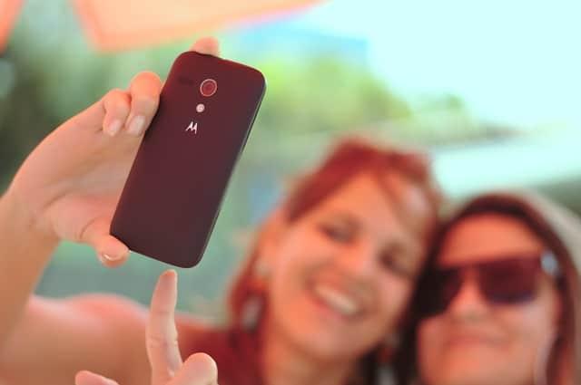 Super Smart Tricks to Click Beautiful Selfies
