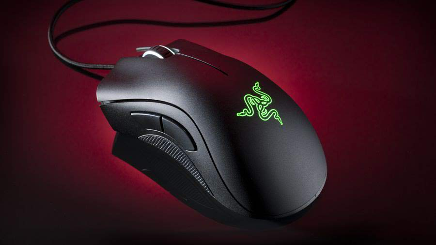 Razer DeathAdder Chroma- Simple gaming mouse - Best Gaming Mouse - What is the Best Gaming Mouse on the Market - Best Wireless Gaming Mouse