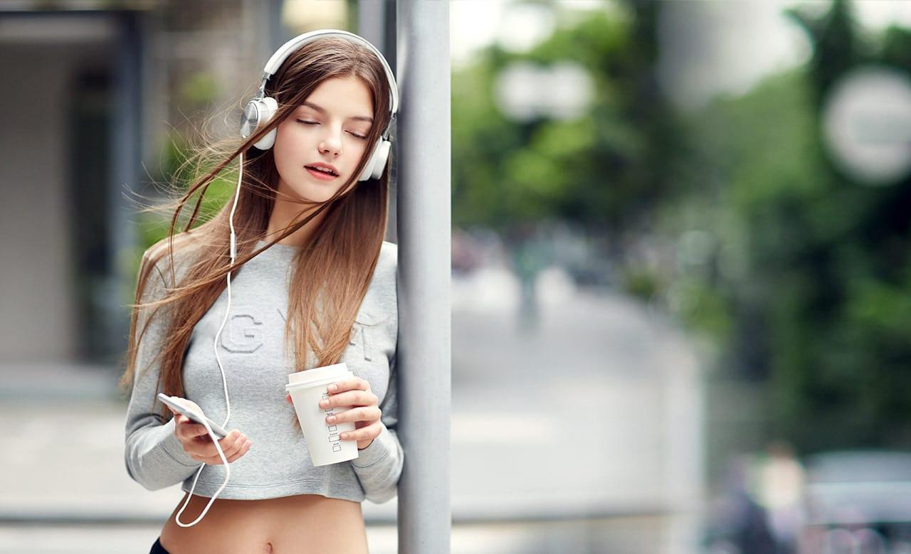 best earphone-wireless earphone-top selling headphones