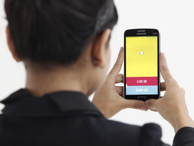 how to put a password on snapchat