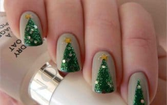 Green and Gold - Best Christmas Nail Art Ideas and Designs -7 Simple Yet Attractive Christmas Nail Art Ideas for Holidays